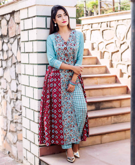 Solid Straight Kurta Set with Printed Sleeves with Chiffon Dupatta