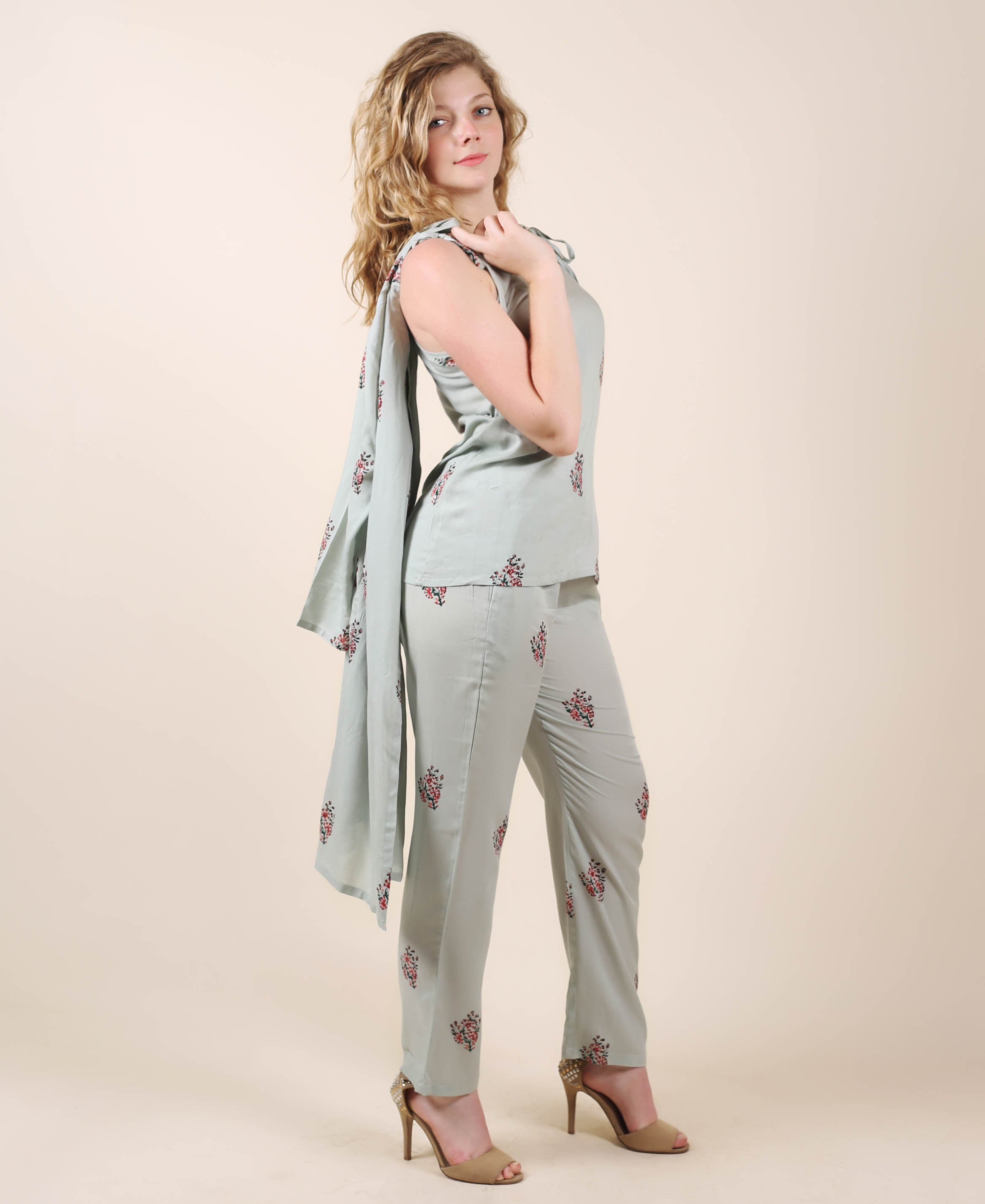 Rayon Grey Printed Jacketed Night Dress
