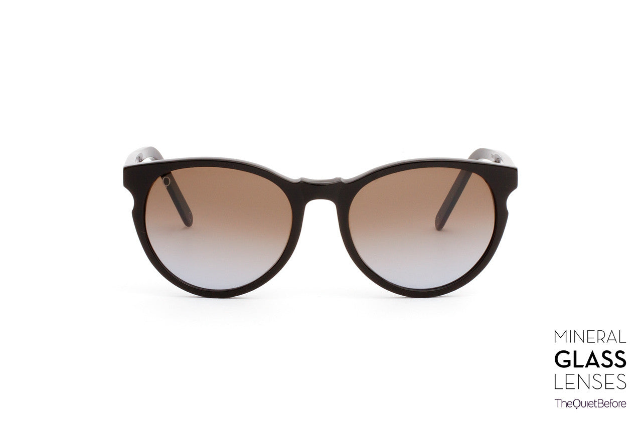 829bb9a6ef9 Sunglass Children of the Moon - Shiny Black - Shadow Gradient Perspective