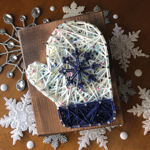 DIY Mini String Art Kit: Mitten