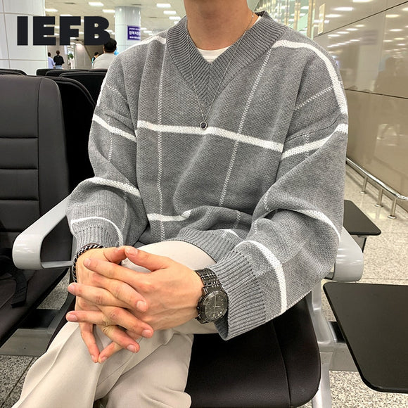 IEFB autumn winter V-neck plaid sweater for men Korean fashion new kintwear oversized tops mens clothes causal all-match 9Y4502