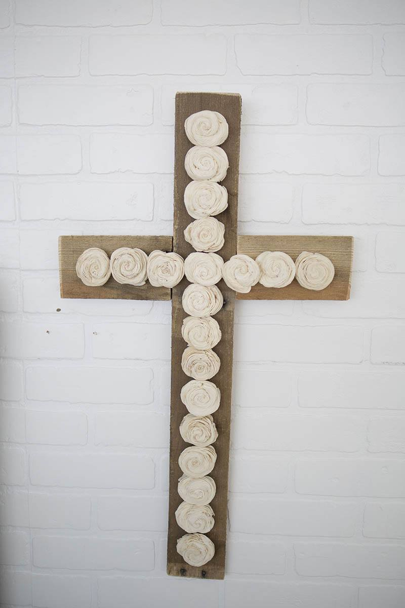 Pallet Wood Twist Cross