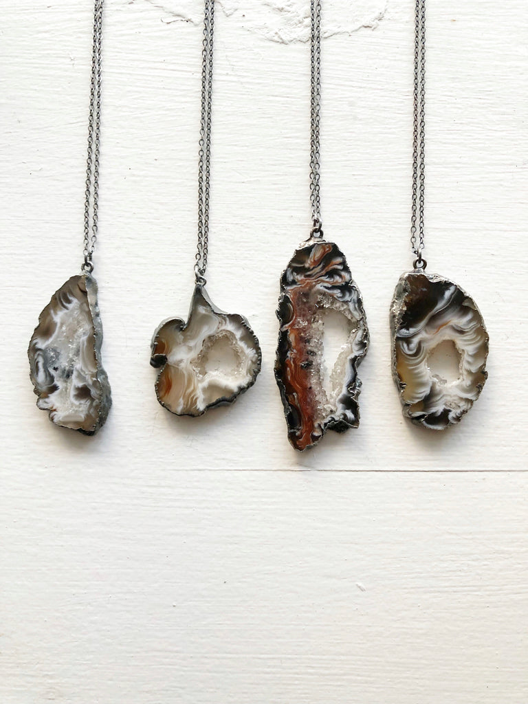 Neutral Tones Agate Necklace