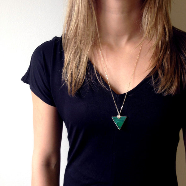 malachite necklace in gold