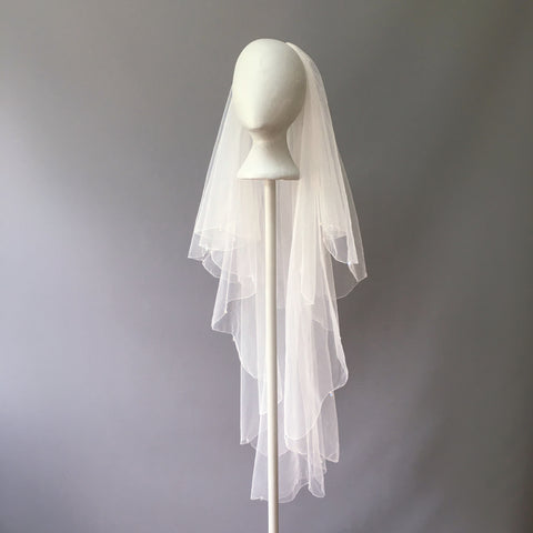 SAMPLE VEIL - Fingertip length 2 tier Ronda veil