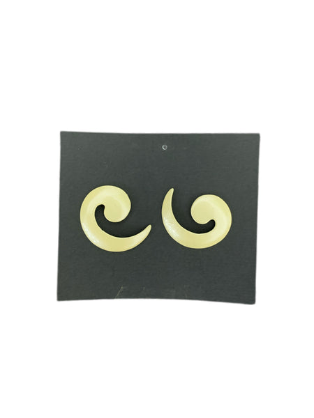 80s Cream Enamel Swirl Earrings