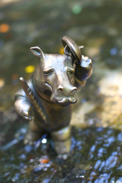 Brad Oldham bronze hippo sculpture Frenchman