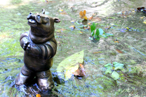 Brad Oldham bronze hippo smooch sculpture