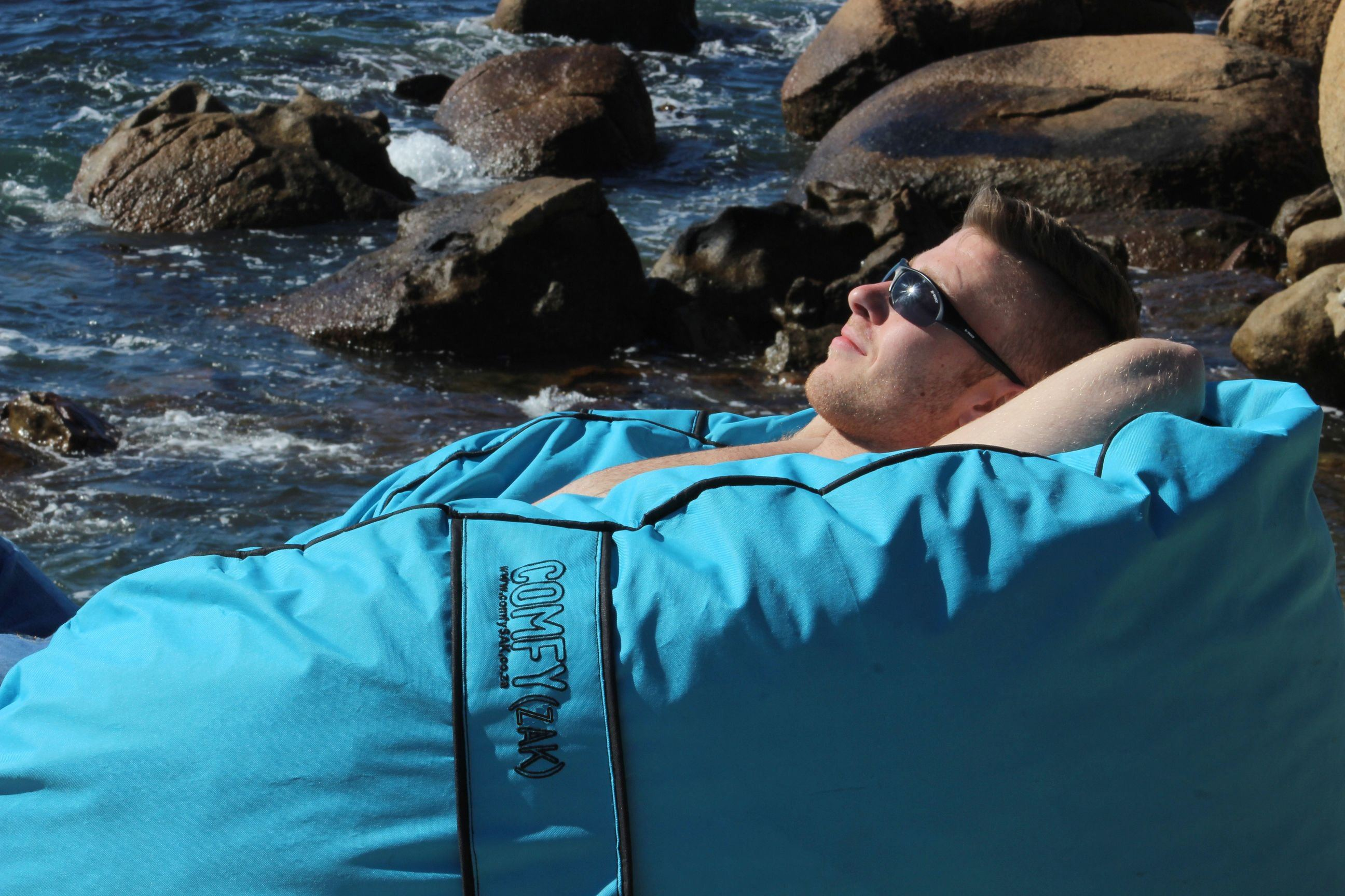 OutdoorBeanbag - Weather-proof Comfyzak Pool Blue rocks