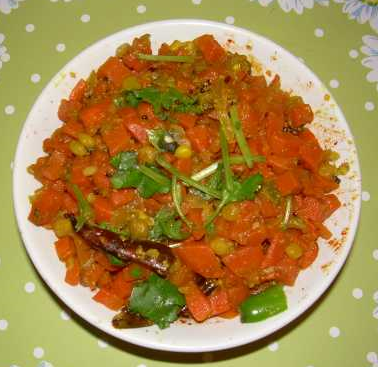 CARROT-CAPSICUM CURRY - Cartly