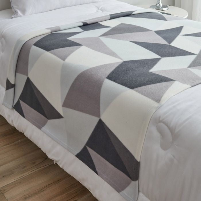 SHAPES GEOMETRIC FLEECE THROW, GREY - 120 X 150CM