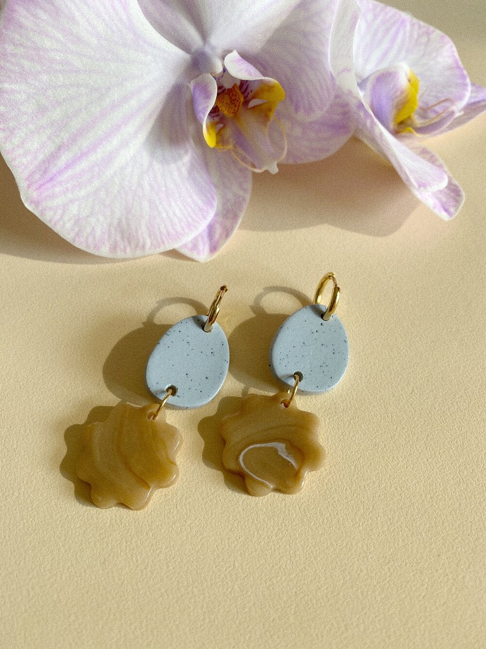 Aacute Belong Earrings - Egg Blue and Coffee Swirl