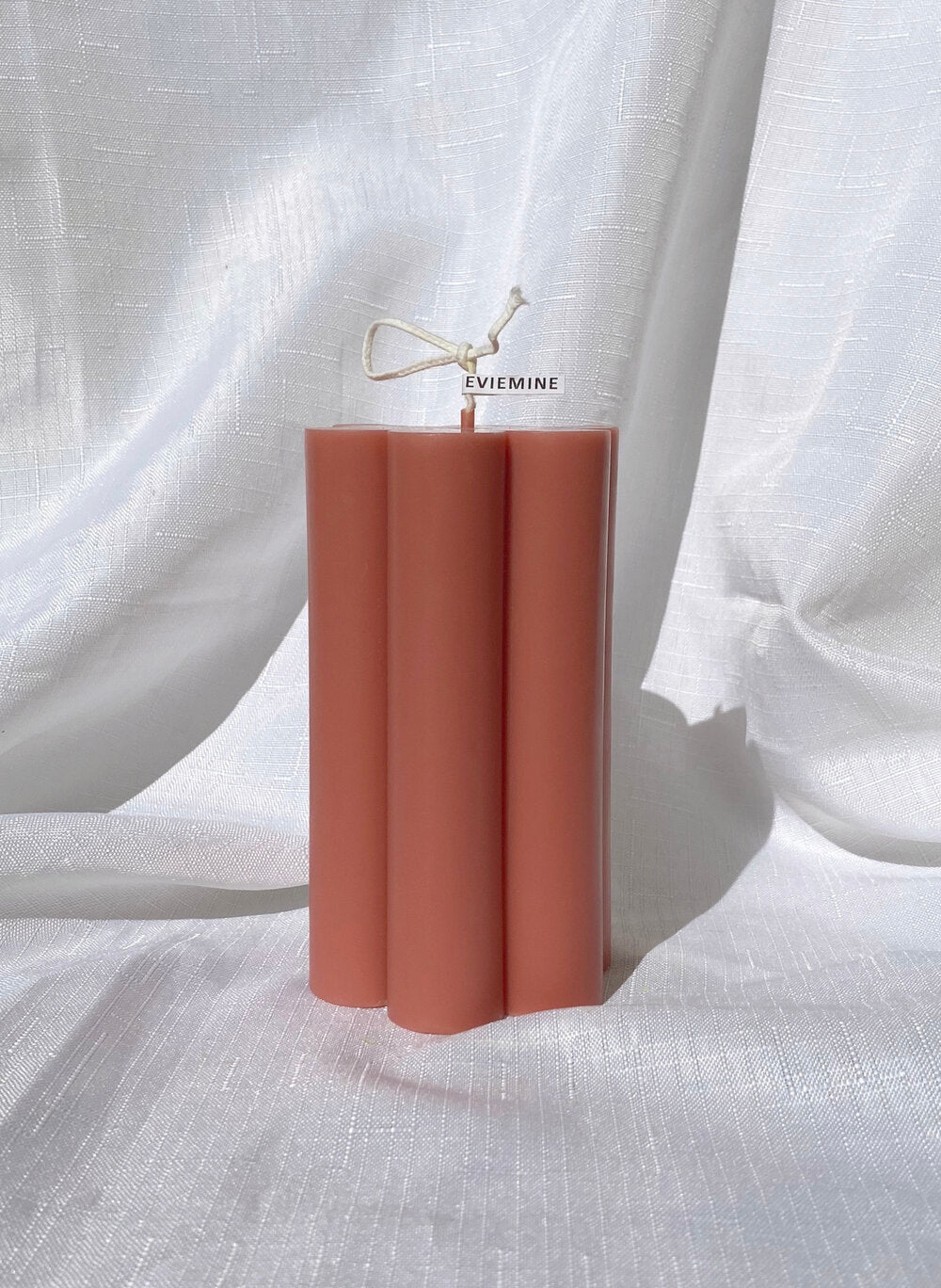 Evie Mine Large Daisy Pillar Candle - Pink Rose | Dusty Rose