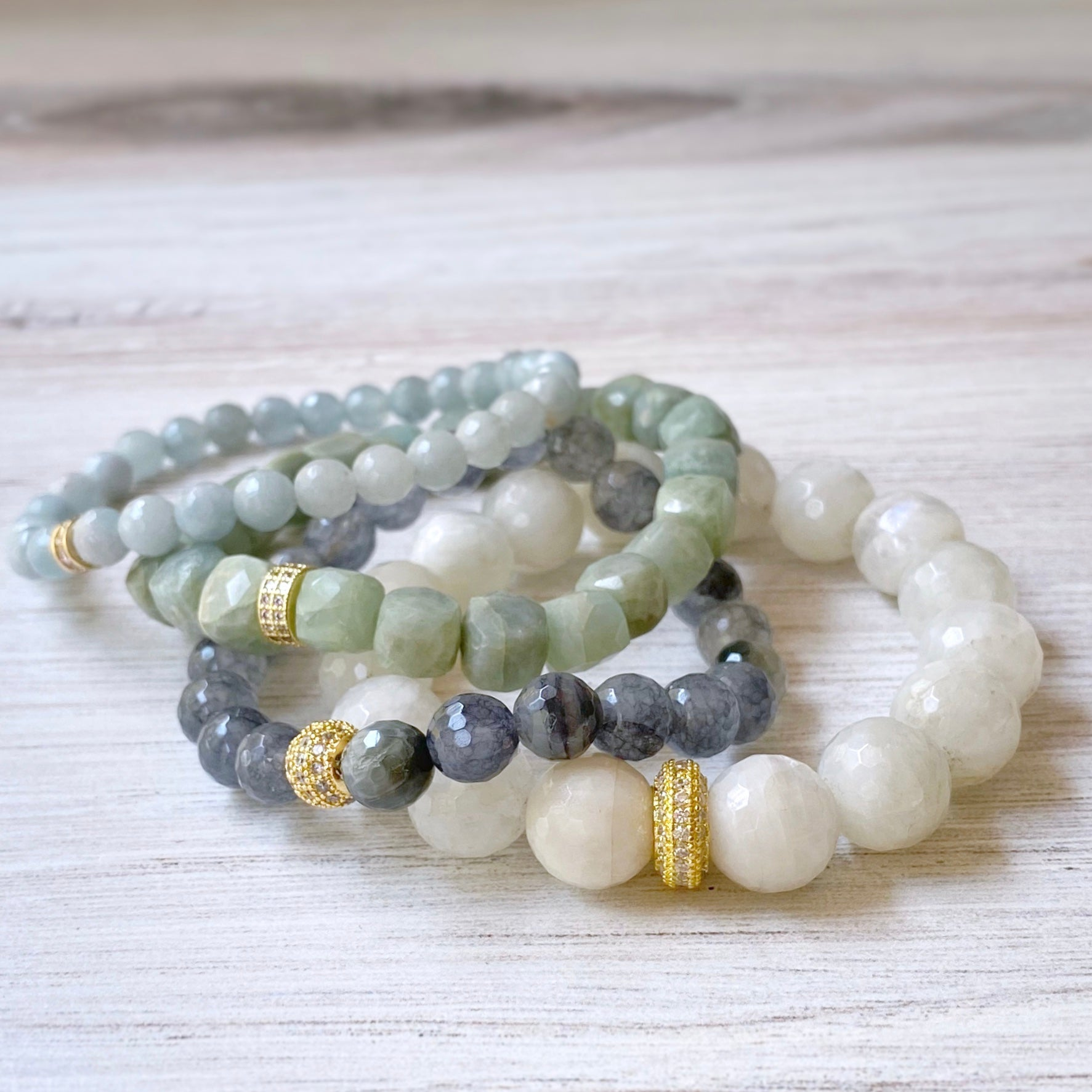 Gemstone Stretch Bracelet, Rainbow Moonstone Grande