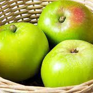 Bramley Cooking Apples (kilo)