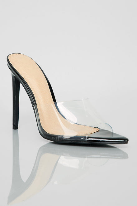 Stand Clear Heels (Black)