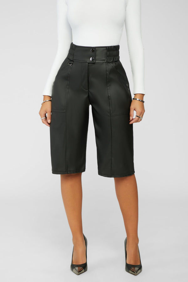Back In Motion Bermuda Shorts - Black