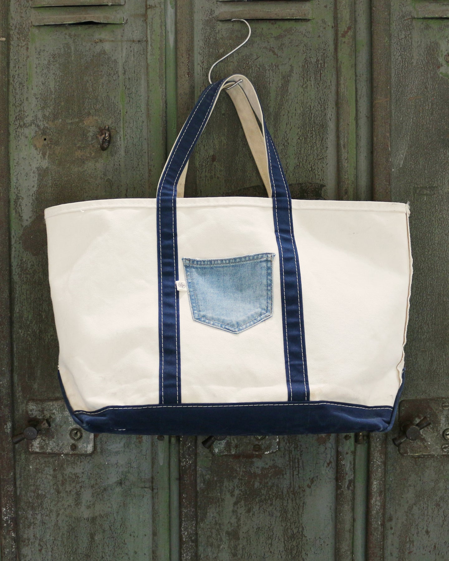 Pre-owned LL Bean Boat Tote with Jean's pocket.