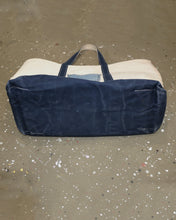 Load image into Gallery viewer, Pre-owned LL Bean Boat Tote with Jean's pocket.