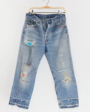 Load image into Gallery viewer, Vintage Levi's 501, Peek-a-Boo Jeans, fit as women's size 30
