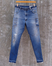 "Load image into Gallery viewer, Dropped-Rise Slim Wrangler Jeans, Waist 31"" (Unisex)"