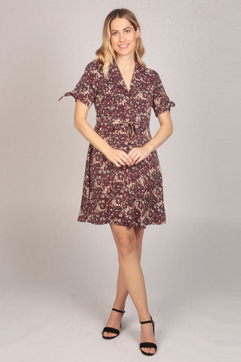 Short Sleeve Floral Print Shirt Dress in Maroon Red