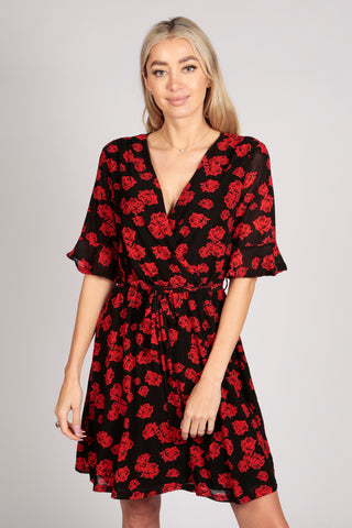 Half Sleeve Lace Wrap Dress in Black Red