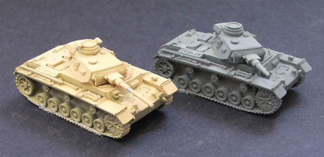 CD303  Pz III J or L Tank . 1 supplied - picture shows assembly options