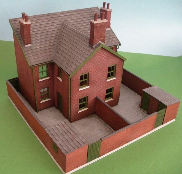 7/181A Semi-detached/terraced house rear and yard set