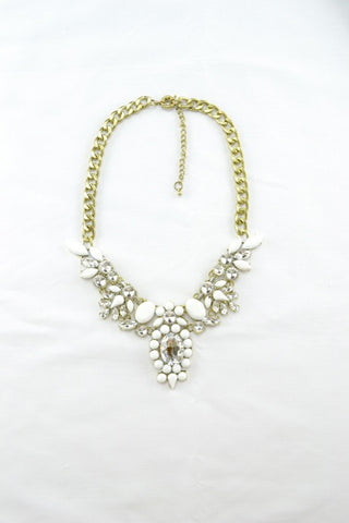 Pelix Necklace in WHITE