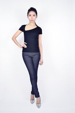 AUD ASYMMETRICAL KNIT TOP IN BLACK