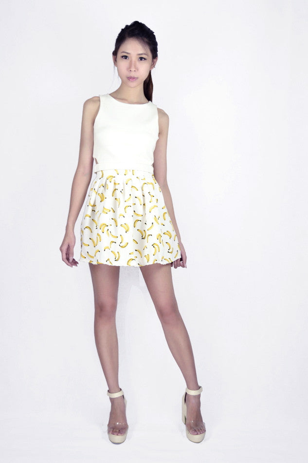 Pleated Banana Printed Skirt in WHITE