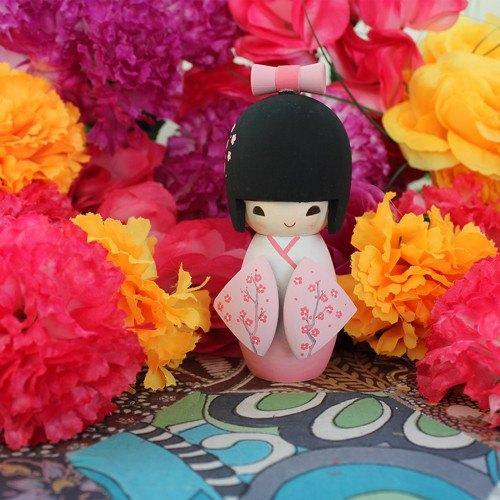 Kit Collection - Paint Me Kokeshi Doll