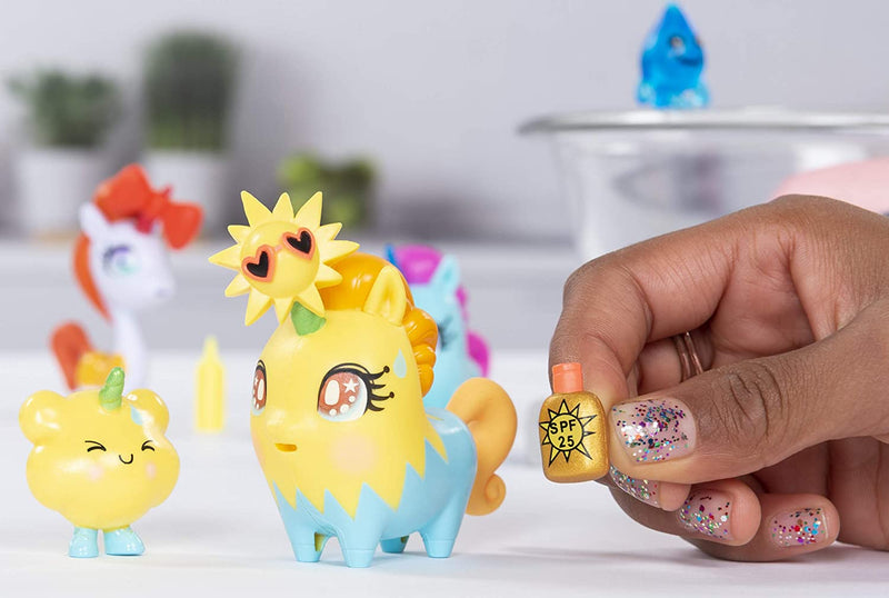 Uni-Verse Collectible Surprise Unicorn with Mystery Accessories (Styles May Vary)