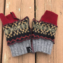 Load image into Gallery viewer, cranberry gray patterned fingerless mittens
