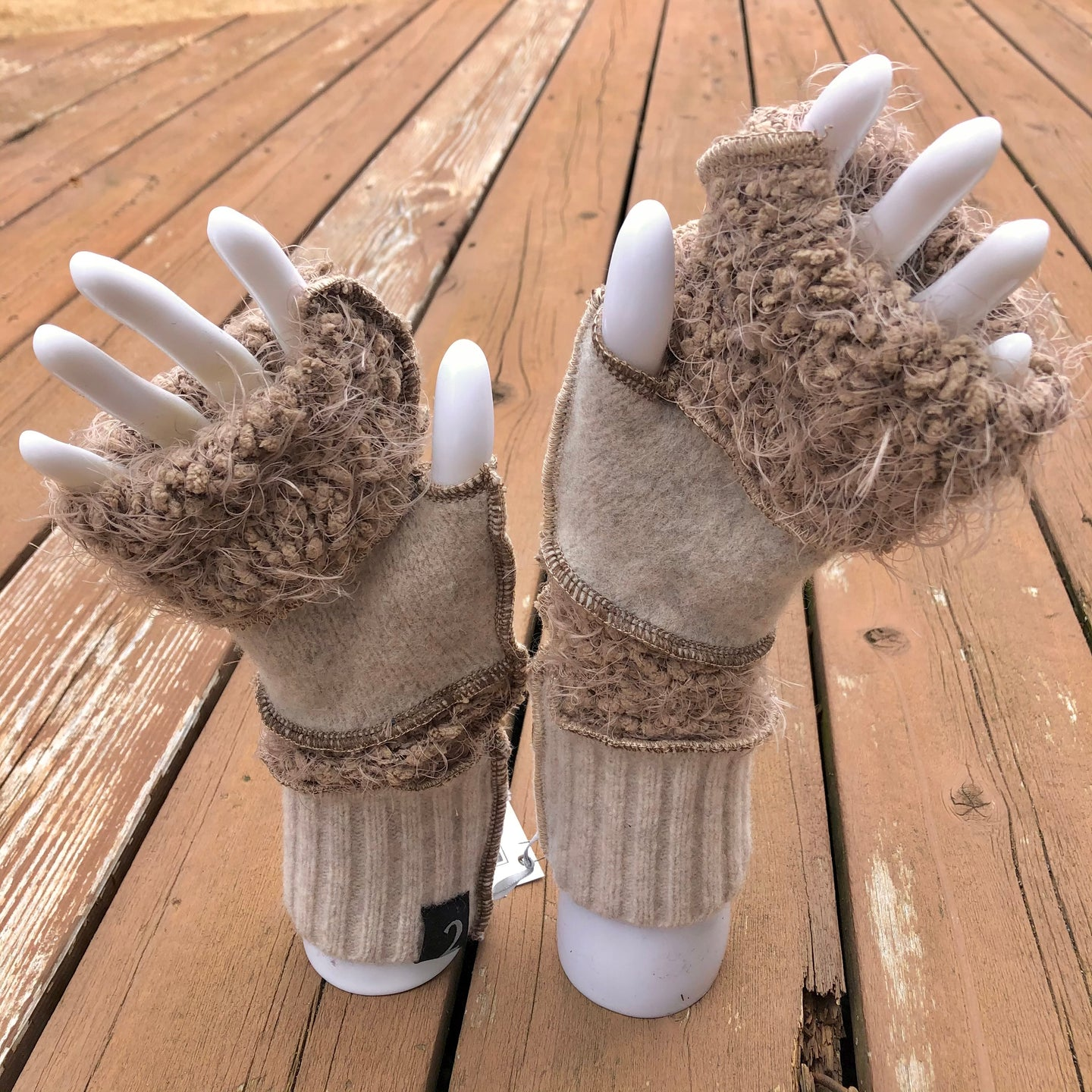 fun bubbly bone + rice fingerless mittens