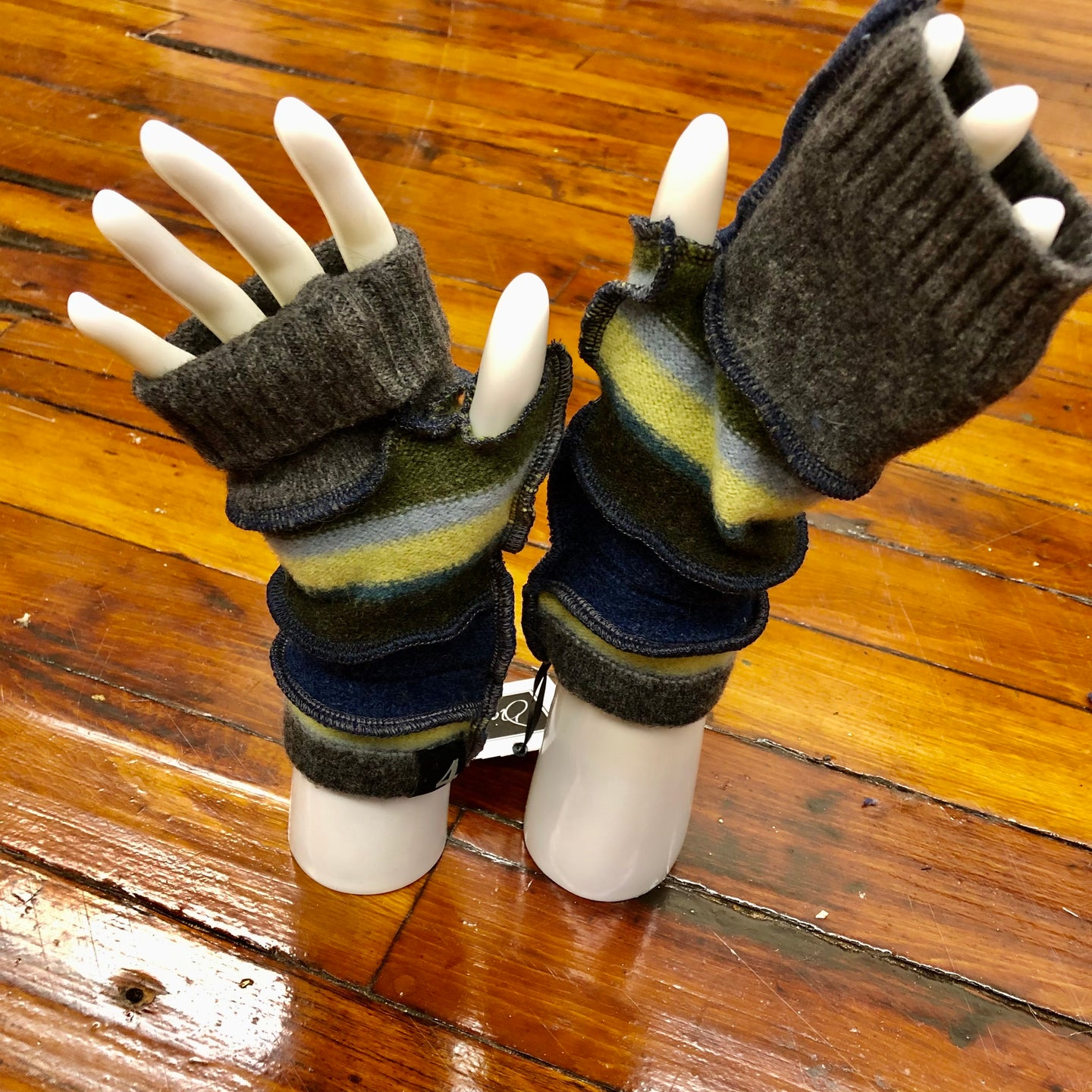 earthy forest green, navy + charcoal fingerless mittens