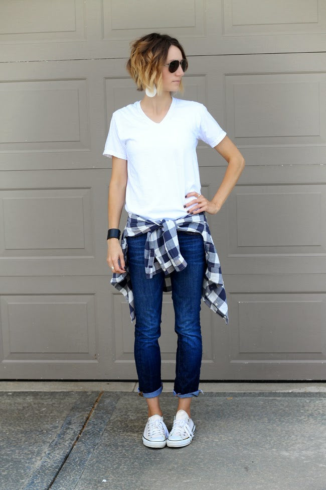 Fashion blogger One Little Mama styles plaid shirt
