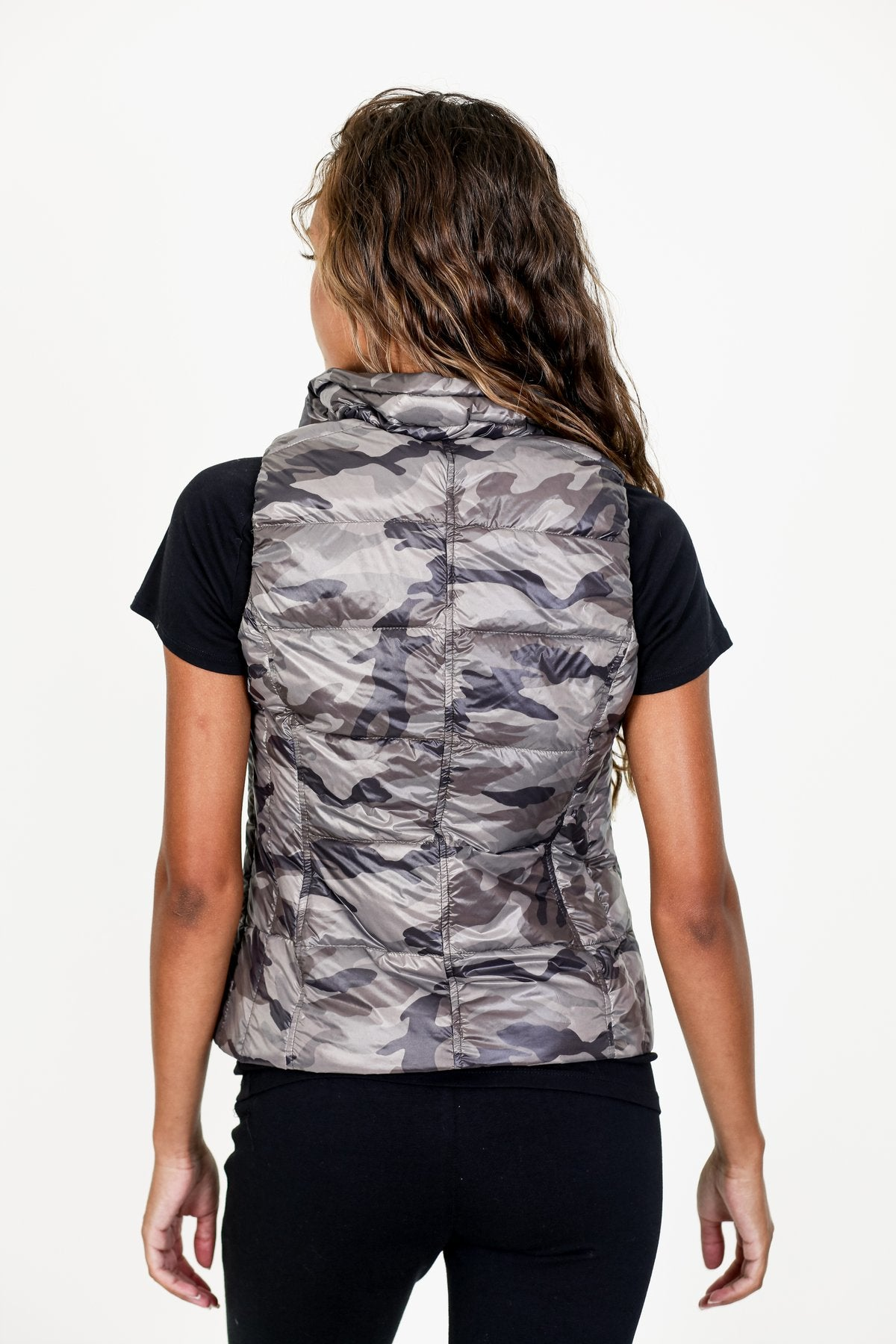 Short Printed Down Vest - Green Camo