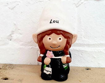 Unique personalised gnomes! A personalised garden gnome for every occasion. Personalised your gnome for a unique gift.