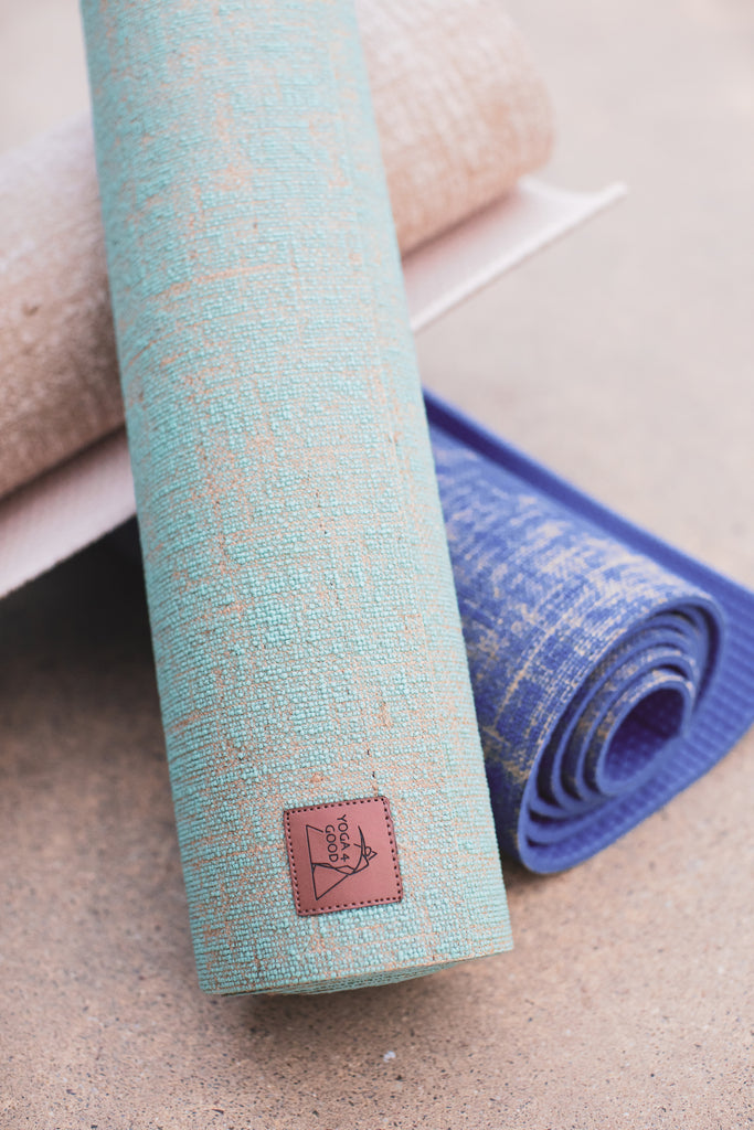 4 Tips to Help You Choose an Eco-Friendly Yoga Mat