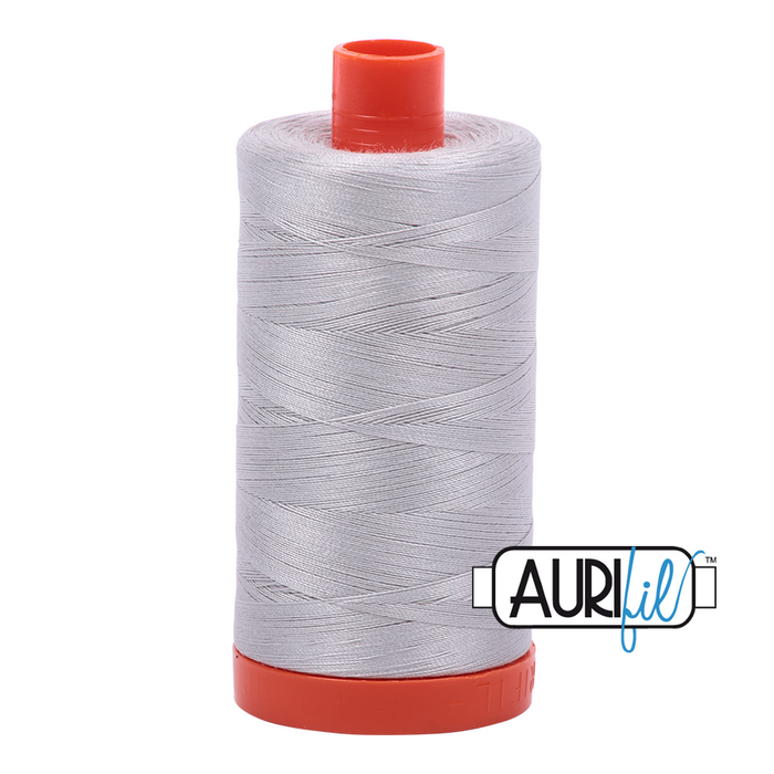 Aurifil 50 wt. 2615 in Large Aluminium