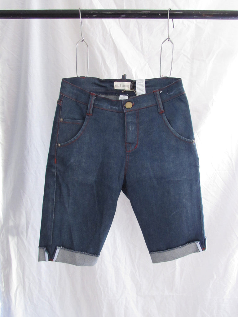Finn Slim Slouch Shorts - Denim - Garage Wash