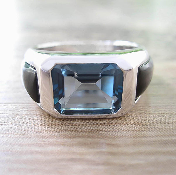 London Blue Topaz + Black Onyx Sterling Silver Ring, Rhodium plated, Majestic Model *** Very Exclusive ***