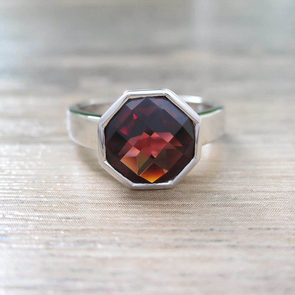 Garnet Sterling Silver Ring, Rhodium plated, Glamorous Model
