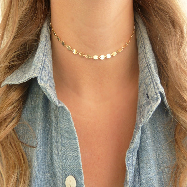 Gold Coin Choker Feminine and Classic Necklace