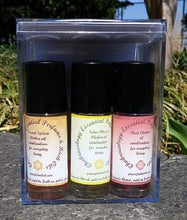 Load image into Gallery viewer, Vedic Chakra Bath Perfume Oil Set