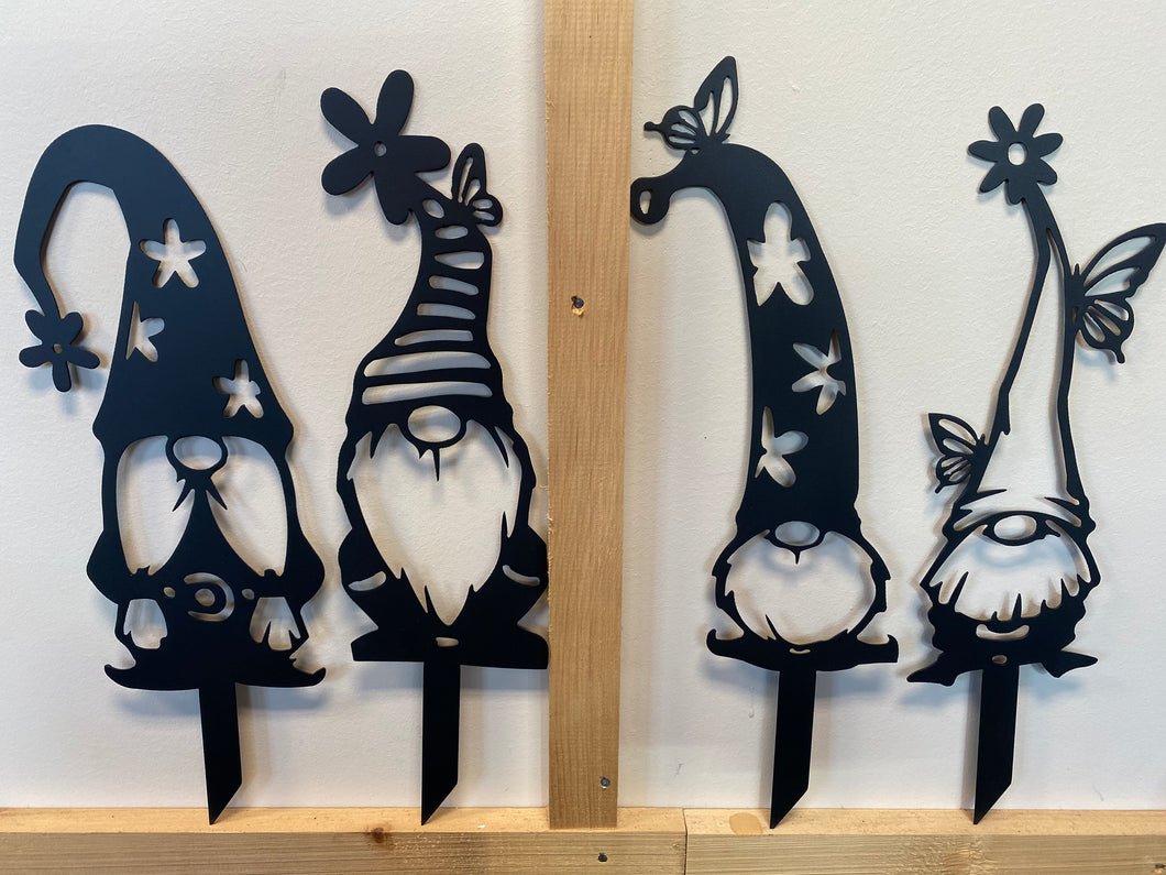 Set of 4 Gnomes approx. 18-20