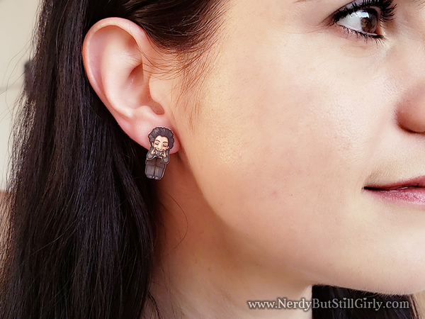 Ancient Alien Theorist Cling Earrings
