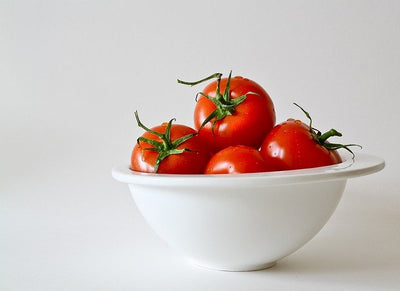 TOMATOES BENEFITS: 10 REASONS TO EAT THEM.